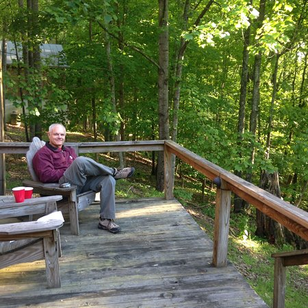 Warren, Βερμόντ: Our back porch view of the woods, peacefull & beautiful!