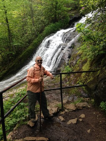 Warren, VT: Near by fantastic, CrabTree Falls - we did the 3 mile hike, also viewed at 1/2 - 2.5 miles.