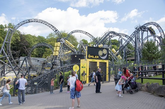 customer service at alton towers How can i contact you  if you would like to feedback on a visit or any part of your experience with alton towers  i would like to contact customer services.