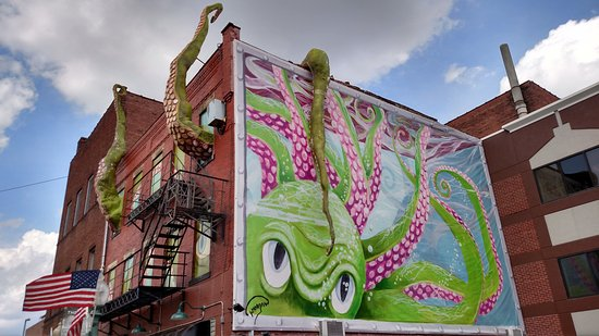 Side of Octopus building in Canton Arts District