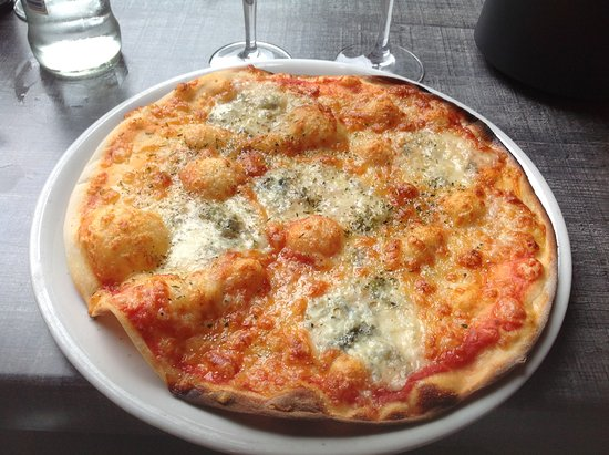 Pasta Follie's: Pizza 4 fromages