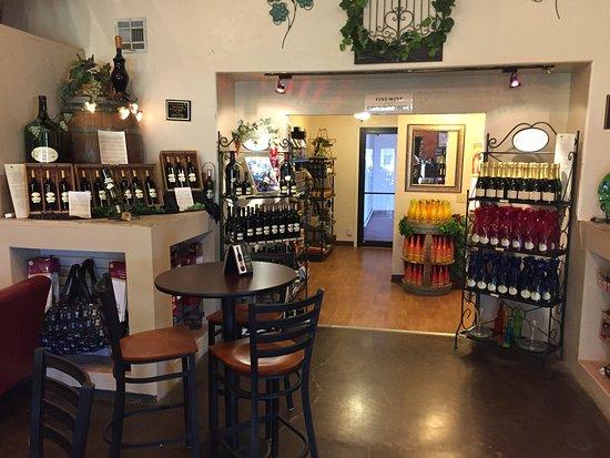 Deming, Nuevo Mexico: Wine display
