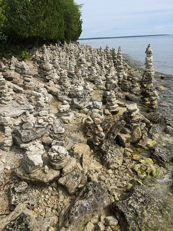 Sturgeon Bay, WI: If you like rocks, this is the place