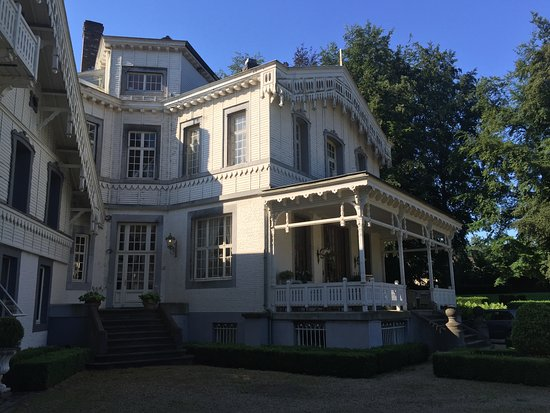 's-Gravenvoeren, België: Het imposante front