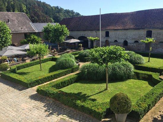 Fouron-le-Comte, Belgique : De binnenplaats