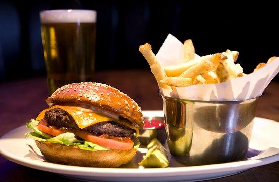 Όκβιλ, Καναδάς: Hollywood Burger