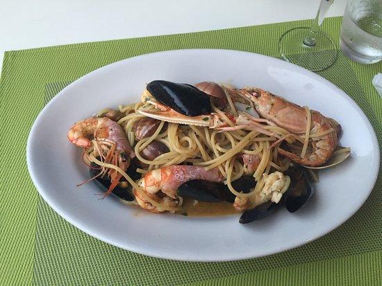 Murta Maria, Италия: Spaghetti med skaldyr