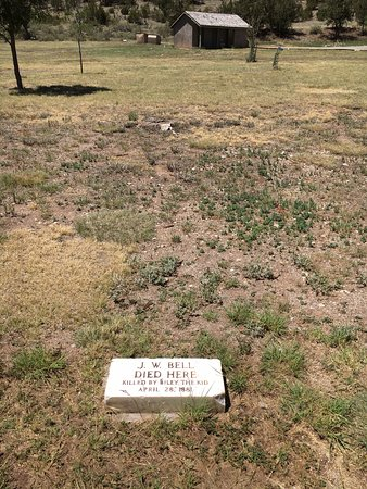 Lincoln, NM: Marker showing where the Deputy died by Billy the Kid's hand