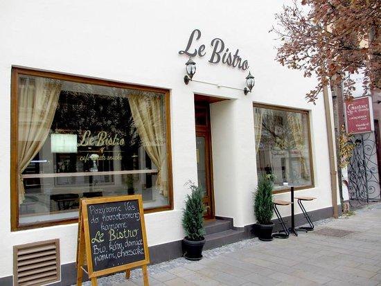 Nitra, สโลวะเกีย: Le Bistro - len bistro? Kaviareň a bistro na pešej zóne v Nitre vo francúzskom štýle