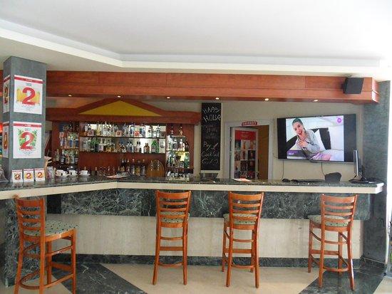 Luna Hotel: Lobby bar