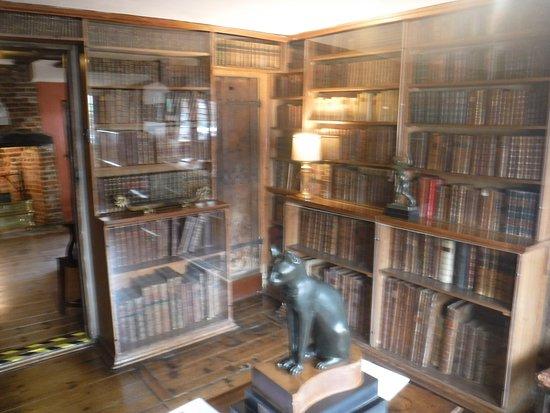 Lavenham, UK: Books and Egyptian cat