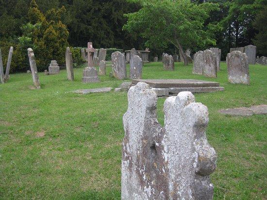 Tenterden, UK: Better view of the graveyard