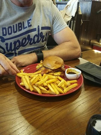 Stevenage, UK: Chicken finger BLT & Jack Daniels sandwich