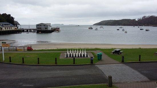Stewart Island, نيوزيلندا: baie d'OBAN vue du balcon de l'hôtel