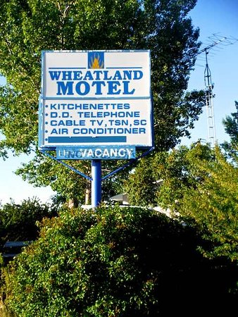 Vulcan, Canadá: Sign at entrance to motel