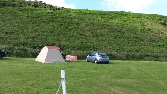 Mortehoe, UK: Our young tent, probably 30 years old.