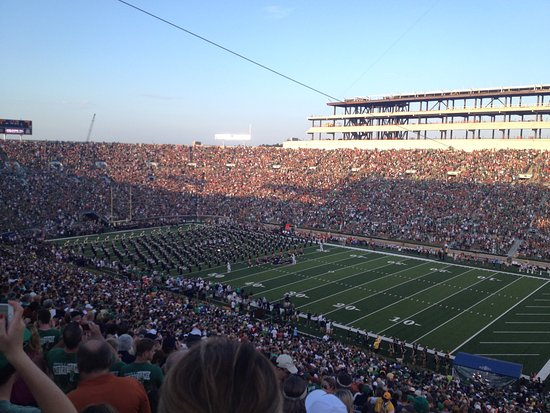 University of Notre Dame: Football game traditions