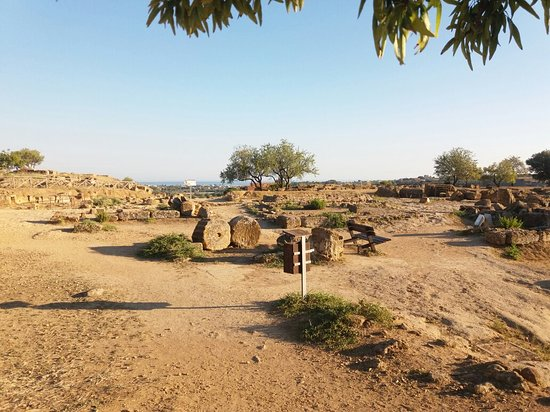 Valley of the Temples (Valle dei Templi): 20160721_190023_large.jpg