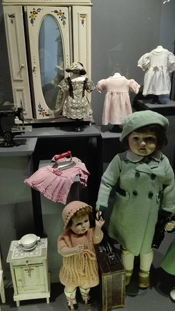 Morges, Zwitserland: dolls of the twenties