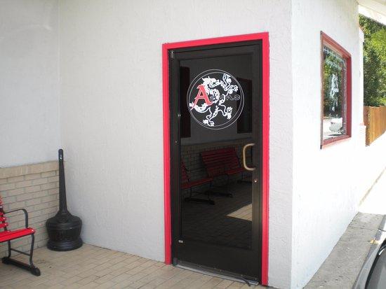 Hiawassee, GA: Asiano front door