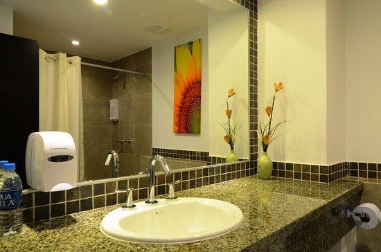 Ba o de lujo picture of balandra hotel manta tripadvisor - Banos de lujo ...