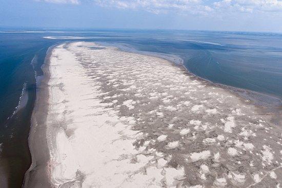 Schiermonnikoog, Nederland: Luchtfoto van het oosterstrand