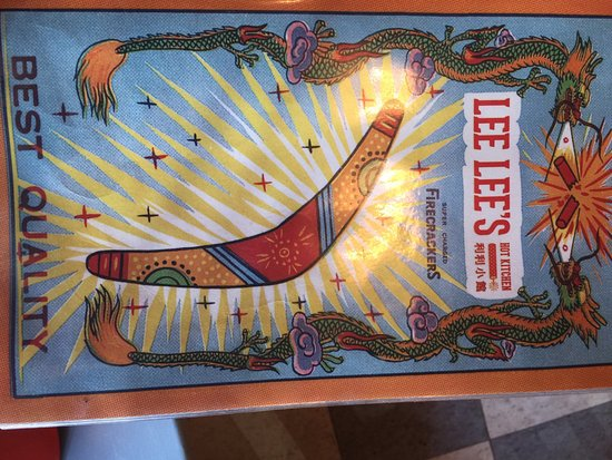 Lee Lee's Hot Kitchen: Firecracker shrimp and Hunan beef are fabulous