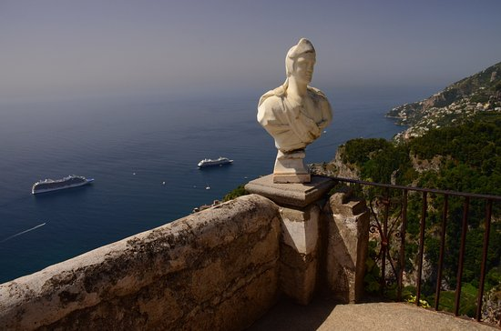 Day Tour in Italy: The view from Ravello north along the Amalfi Coast of Italy