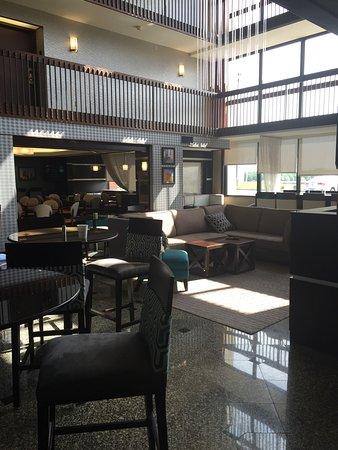 Drury Inn & Suites Kansas City Airport : photo2.jpg