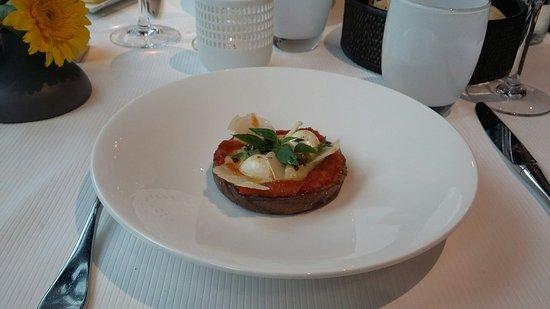 Busnes, Francia: Tranche d'aubergine a la tomate confite_large.jpg