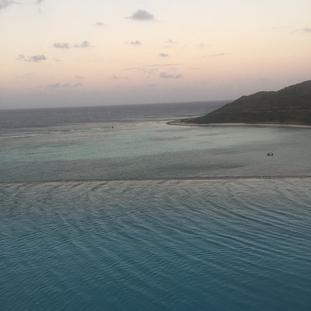 North Sound, Virgin Gorda: Sunset view from Waters Edge villa