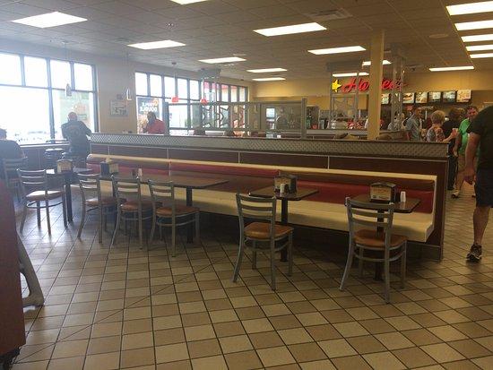 Tecumseh, KS: Seating