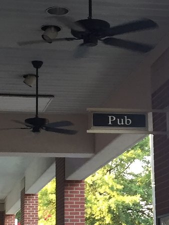 Cary, NC: Pub sign outside