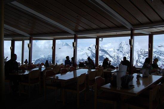Murren, สวิตเซอร์แลนด์: 展望レストラン