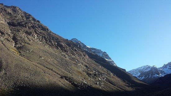 إمليل, المغرب: mount toubkal peak from the trek