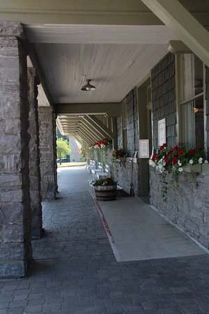 Adirondack Scenic Railroad : Entrance to the rail station