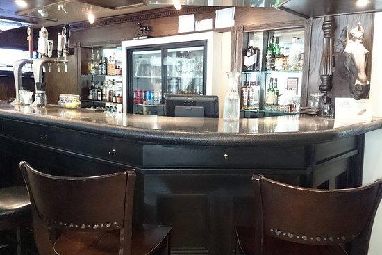 The Ridge Social Eatery: Bar