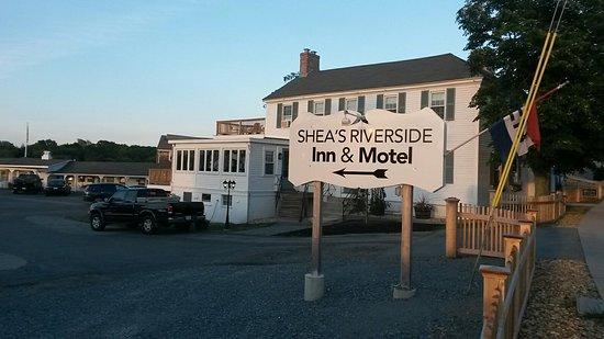 Shea's Riverside Inn & Motel: 20160721_194304_large.jpg