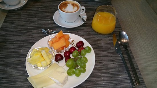 Hotel Cubo: 20160622_070409_large.jpg