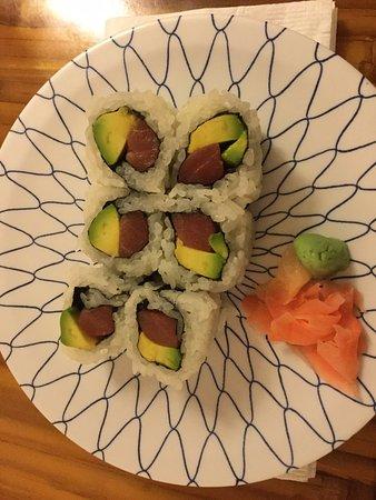 Bethesda, MD: Tuna avocado roll