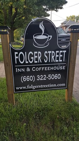 Carrollton, MO: Folger Street Inn & Coffeehouse