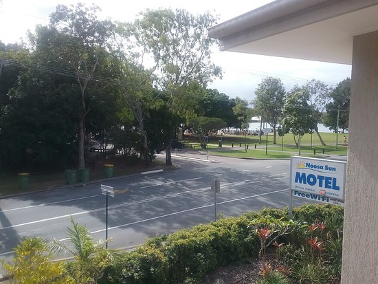 Noosa Sun Motel & Holiday Apartments: view from our room