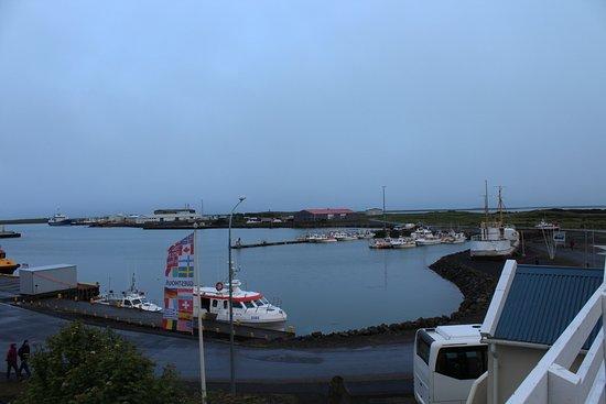 Guesthouse Hvammur: View of harbor