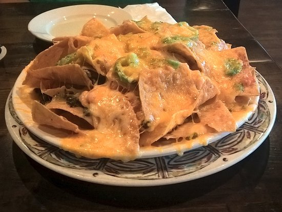 Stewart's Brewing Co: House Nachos as an appetizer were massive
