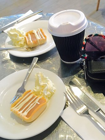 Gosford, Australia: Point Cafe Chef Knows His Pastries