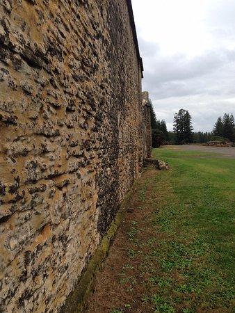 Norfolk Adası, Avustralya: Prison walls on convicts tour