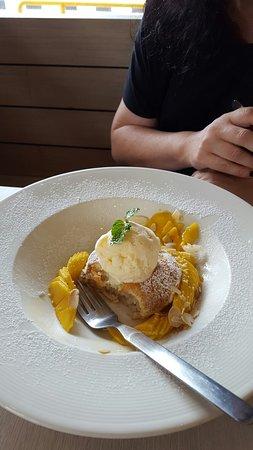 Talat Yai, Tailandia: Mango pancakes definitely the one to have