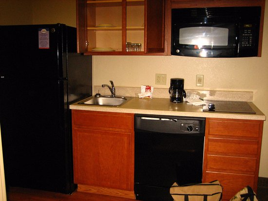 Suburban Extended Stay Hotel Triadelphia: Home atmosphere with the regular kitchen set up.