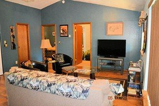 Alaska Riverview Lodge: Bears Den (2 bedroom apartment)