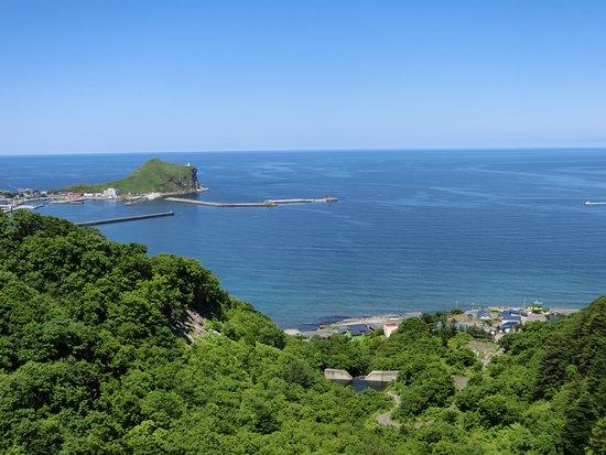 Peshi Misaki Observatory : 自転車道から見た岬